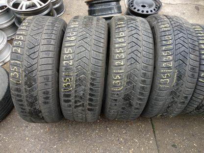 235/60 R18 Pirelli defekttűrő téli gumi 20000ft a 4db /35/